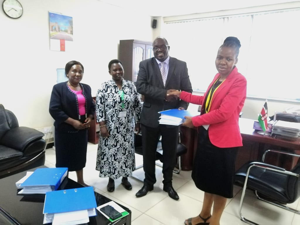 Kirinyaga County Government submitting their Final Report  on Assets and Liabilities of devolved functions  to IGRTC .